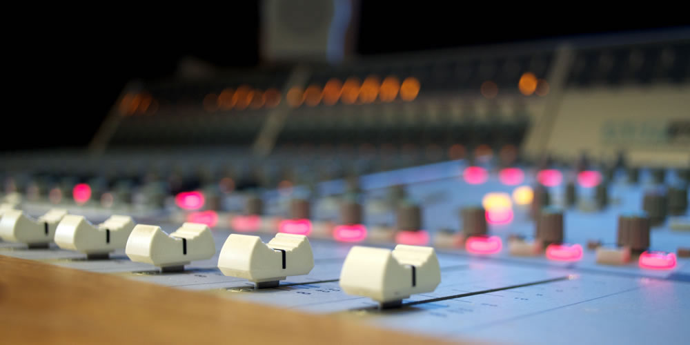 Recording Studios near London with an Analogue Console