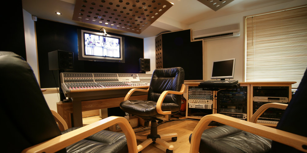 Sensational Pro Audio Recording Studio Near London Producing A High Quality Largest Home Design Picture Inspirations Pitcheantrous